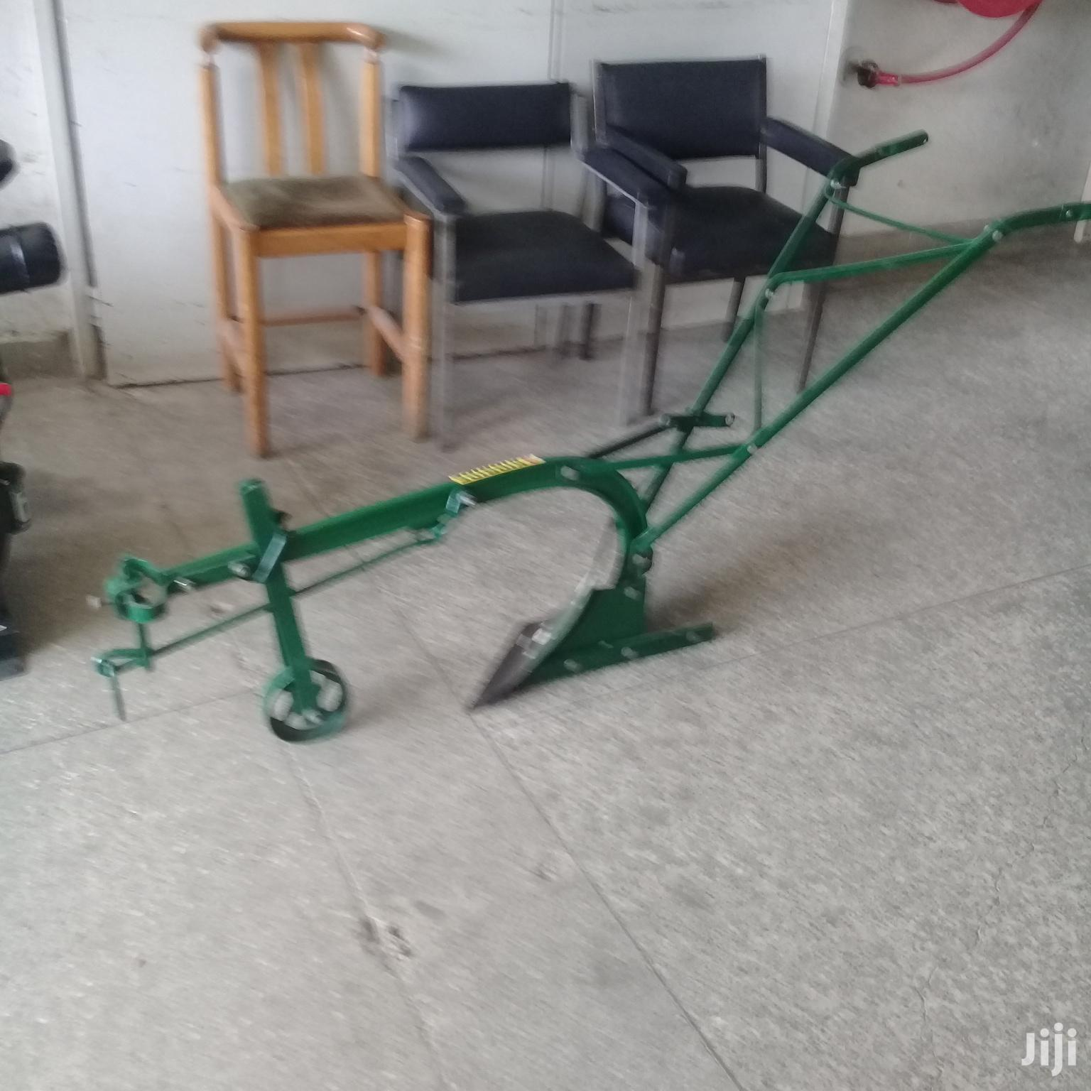 Hand / Oyx Plough Single Furrow With Wheel