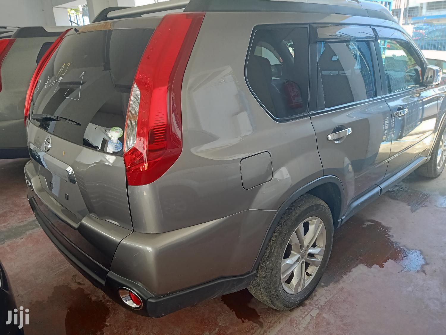 Archive: Nissan X-Trail 2013 Gray
